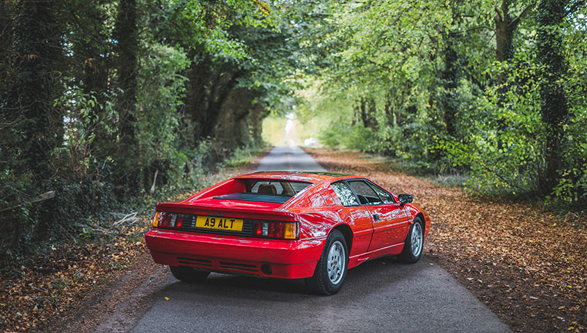 1989 Lotus Esprit Road Test