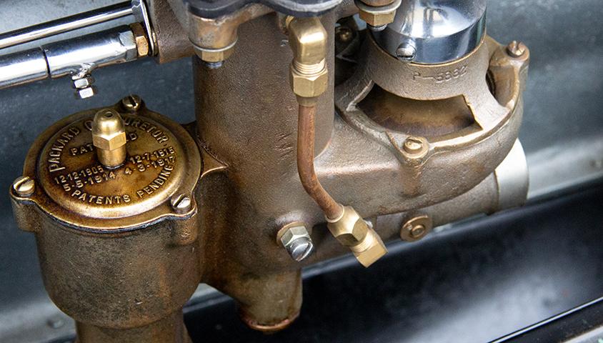 1929-Packard-640 carburettors